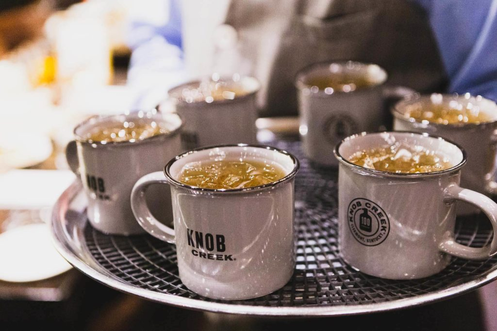 Welcome drinks in mugs