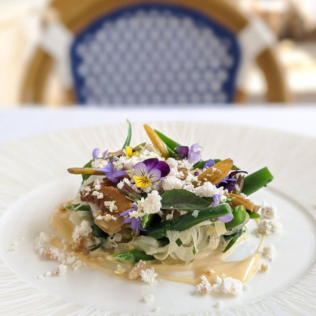 Auberge avec Canoe green bean salad