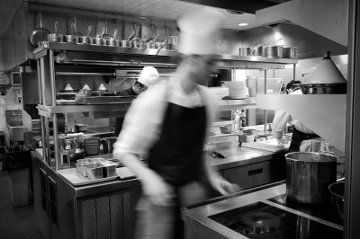 Auberge du Pommier Kitchen