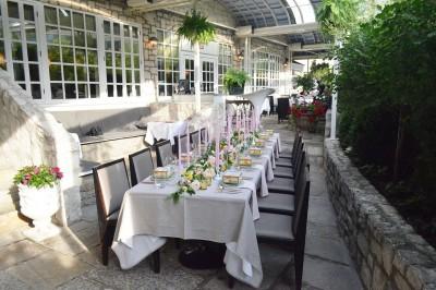 auberge-du-pommier-terrace-setup