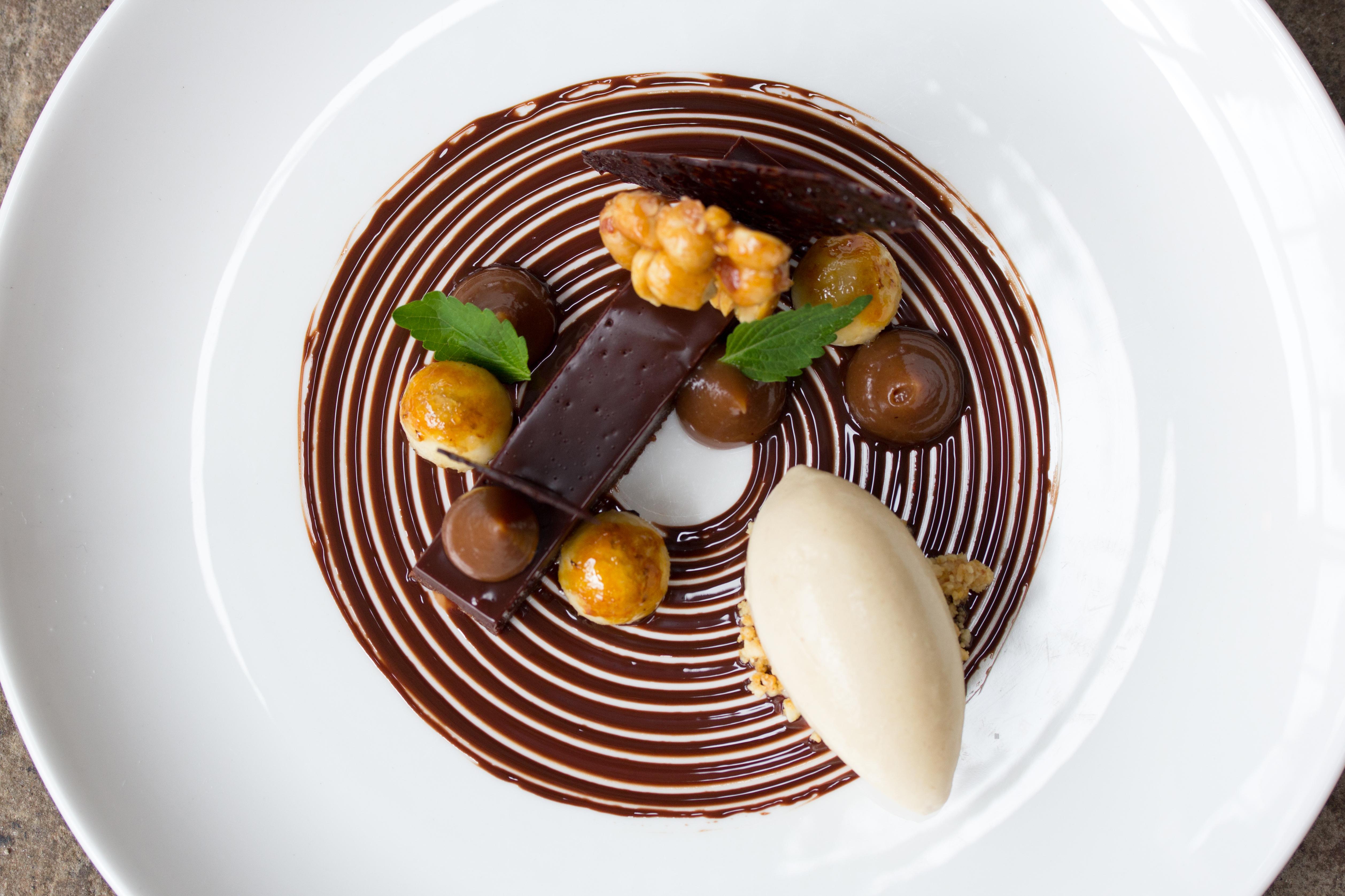 Auberge-du-Pommier-Dessert-Spring-Chocolate-ADP-5