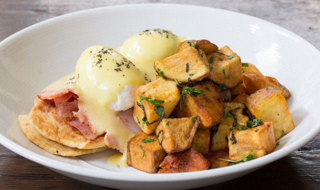 O&B Cafe Grill Eggs Benedict