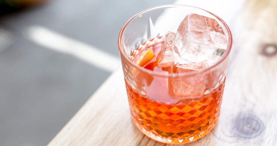 Picture of a Negroni cocktail