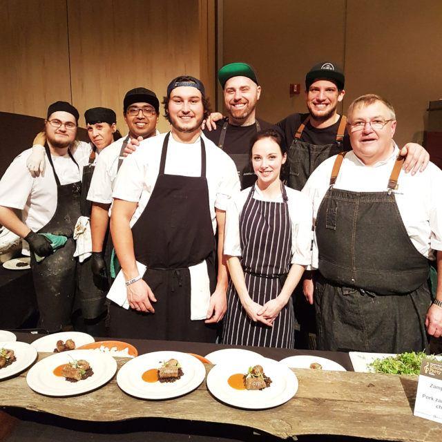 shift-restaurant-team