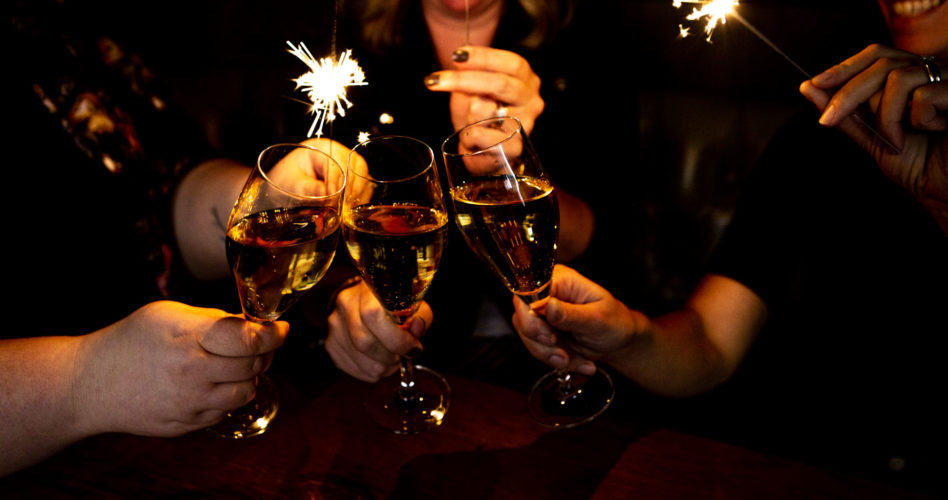 Sparklers and sparkling wine